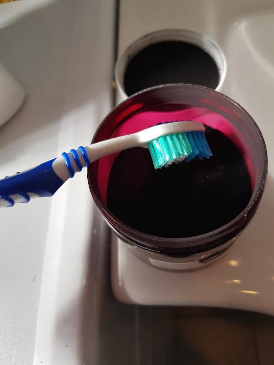 J'ai testé : le brossage de dent aucharbon